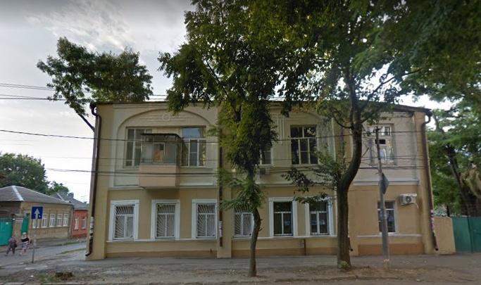 Пожар в столетнем здании в Ростове оставил без света и газа несколько домов