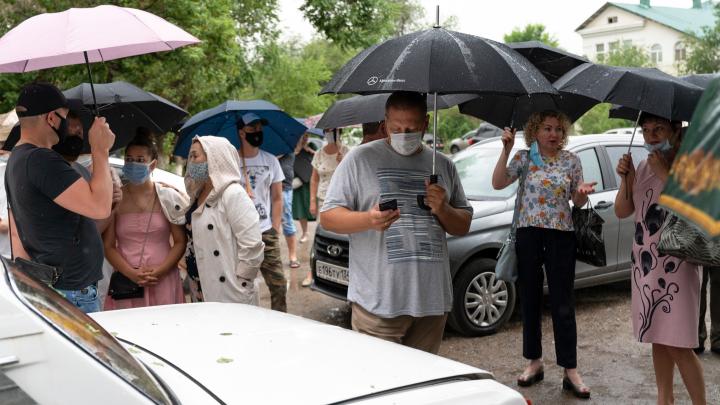 Дольщики Волгограда откладывают голодовку: чиновники обещают достроить дома