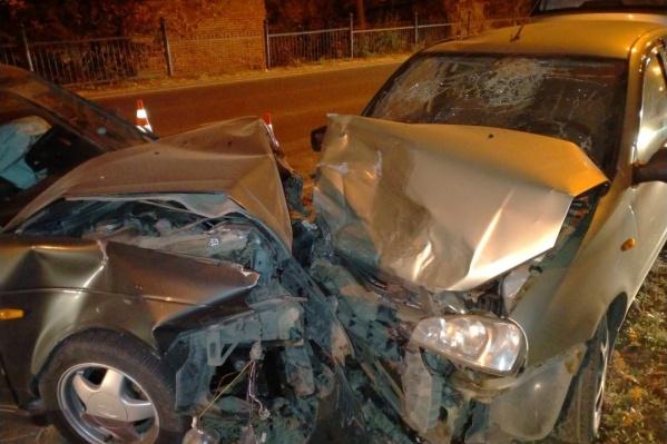 Участникам аварии повезло остаться в живых