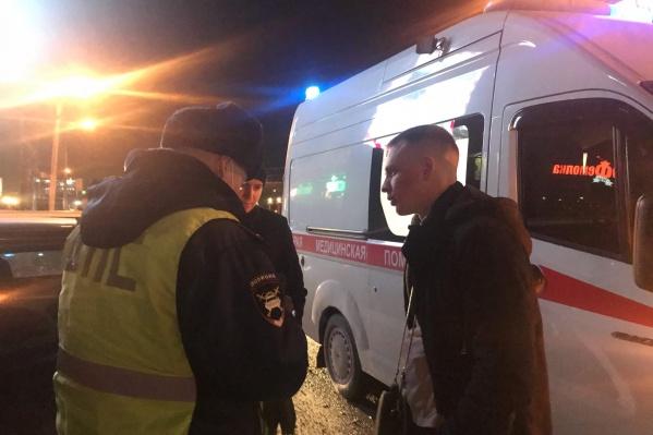 Сейчас пострадавший сибиряк дает показания сотрудникам полиции