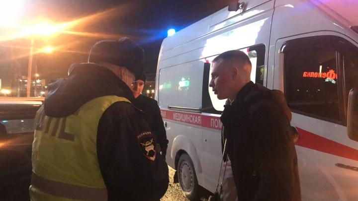 В центре Новосибирска произошла странная драка — пострадали мужчина и женщина