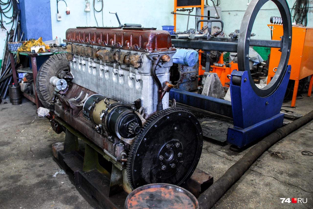 Дизель В-2 лёг в основу ряда шестицилиндровых двигателей вроде этого В-6 — по сути, половинки V12