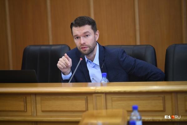 Алексей Вихарев считает информацию про слежку провокацией