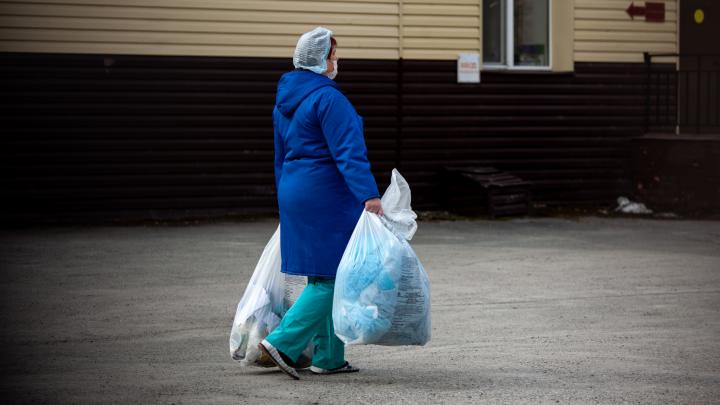 В Минздраве Поморья объяснили, почему уборщикам больниц не положены «президентские» выплаты
