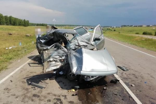 В ВАЗе погибли два человека