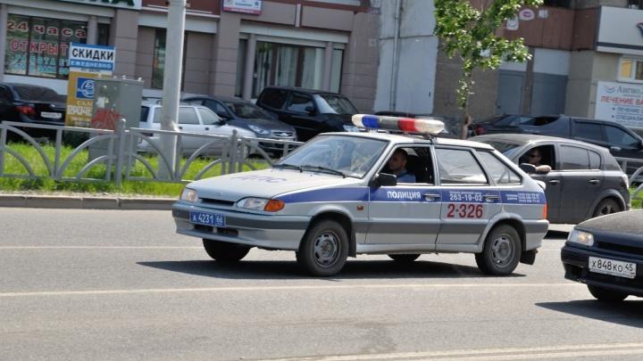 В Верхней Пышме сотрудники ГИБДД нашли водителя ВАЗа, который сбил мужчину на пешеходном переходе