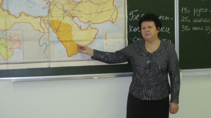 «Она переживала за каждого ученика»: в Ярославле умерла учитель истории