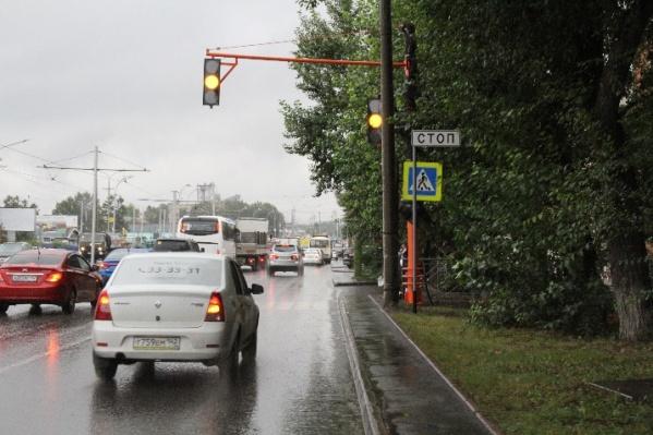 Новые светофоры появятся возле школ