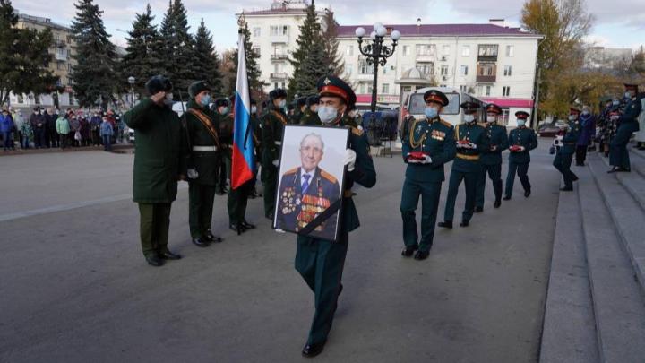 В Самаре простились с героем Советского Союза Владимиром Чудайкиным