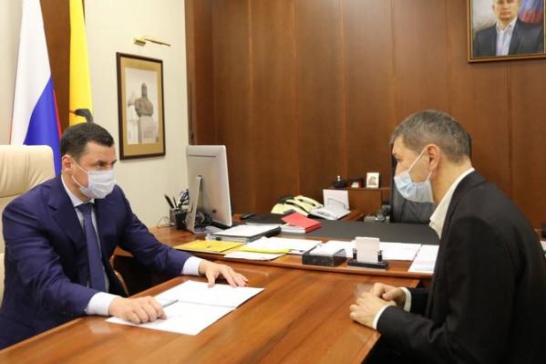 Юрий Газзаев (справа) назначен новым главным тренером ярославской футбольной команды