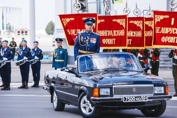 Ни один парад не обходится без наших «Волг»