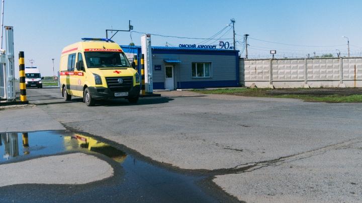 Самолёт с 40 пациентами с коронавирусом из Якутии приземлится в омском аэропорту