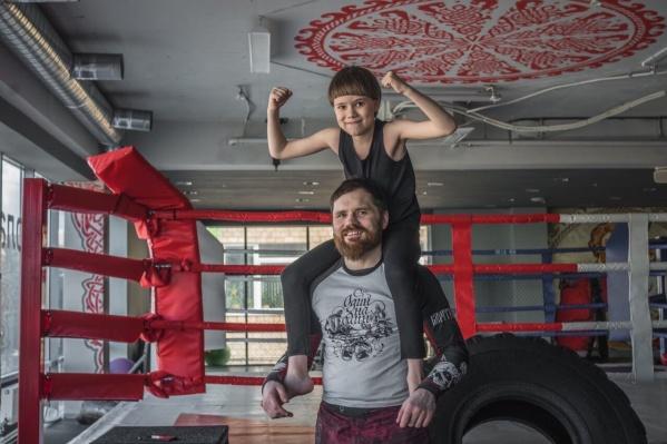 Василий Ванин с сыном