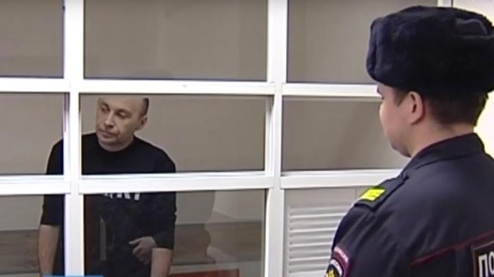 «Поставил вентилятор от гнилостного запаха»: пермяк три месяца жил в одной комнате с телом убитой жены