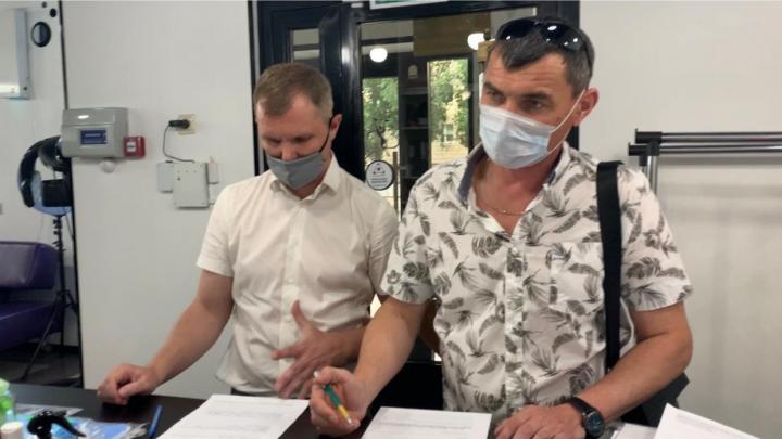 «Решили признать свою вину»: в Волгограде судили салон красоты за приспущенную маску парикмахера