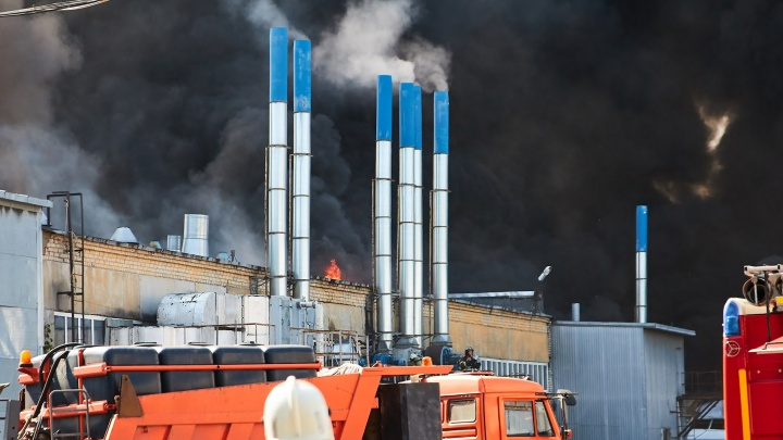 Из-за пожара на складах в Самаре возбудили уголовное дело