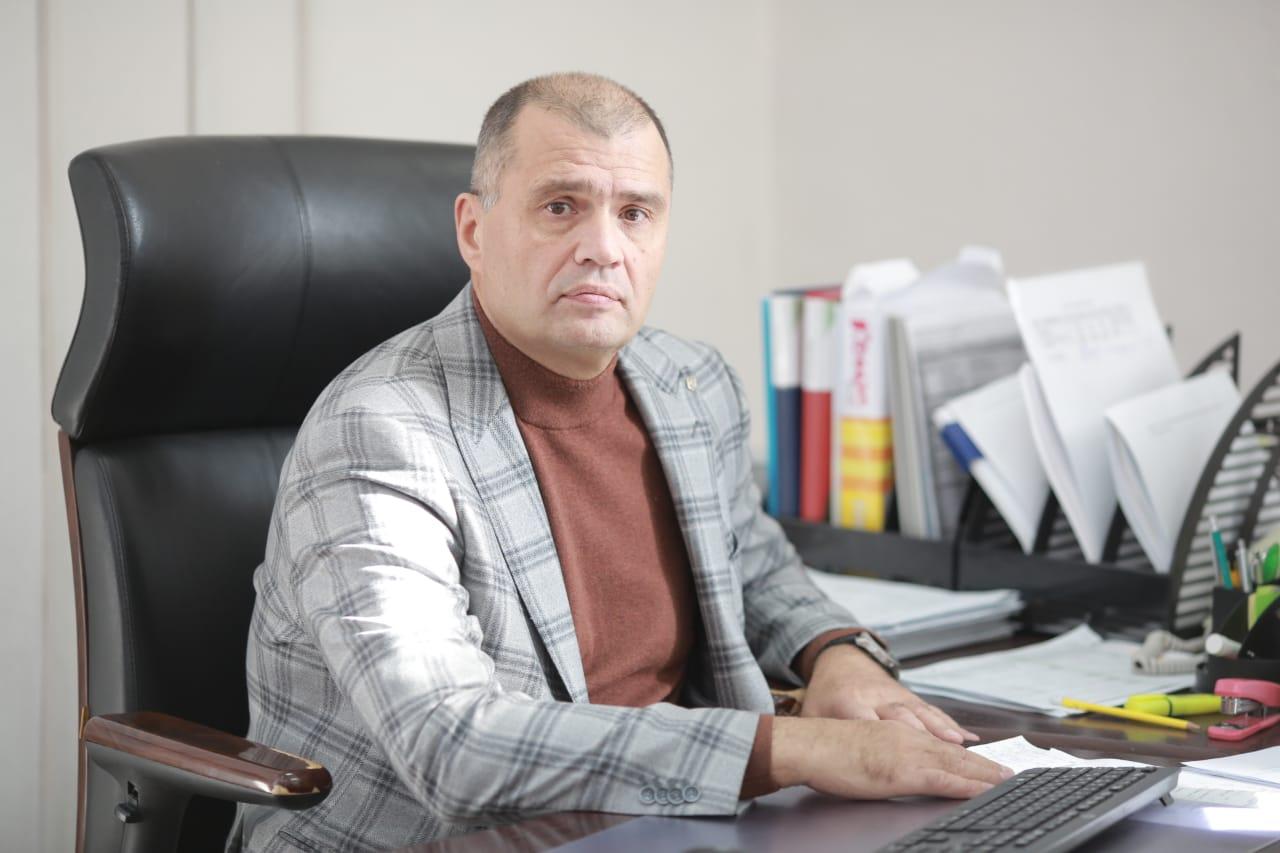 Александра Журавлёва на завод назначил совет директоров и, вероятно, именно ему придется решать сложившиеся проблемы