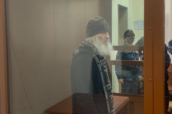 С момента начала голодовки отец Сергий похудел на семь килограммов