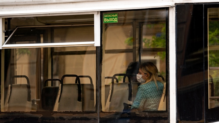 Власти Ростова пригрозили закрывать маршруты автобусов, где ездят пассажиры без масок
