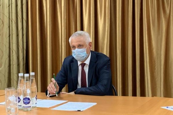Сергей Бердников изолировался от своих подчинённых дома