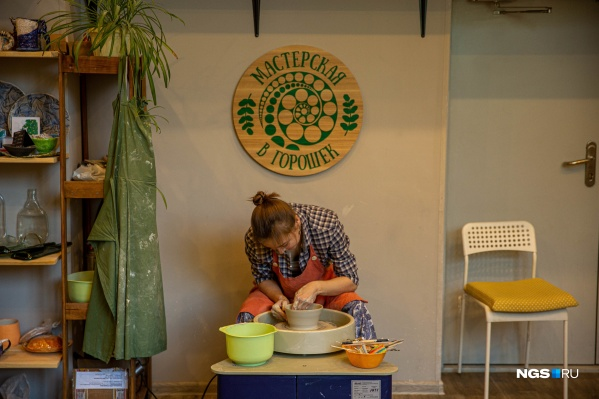 Соня Мальгина мечтала о гончарном круге: сначала он появился дома, а потом в собственной мастерской
