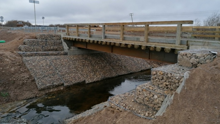 В Пинежском районе построили первый в России мост по новейшей технологии