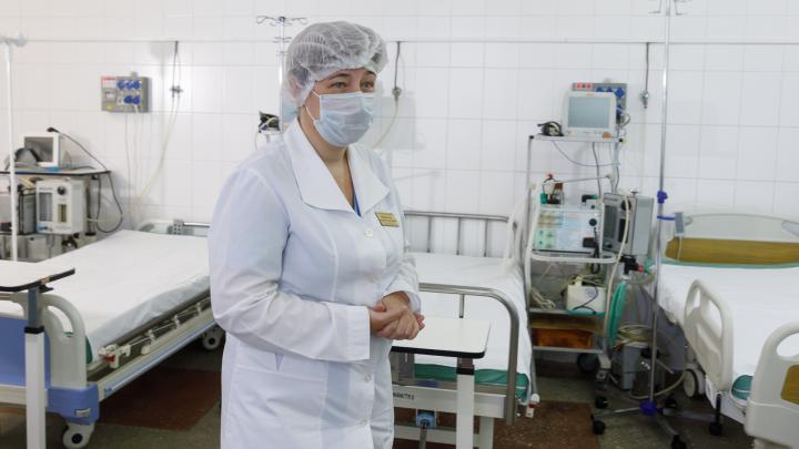 «Мы привыкли и к тяжелым пациентам»: одну из старейших больниц Волгограда отдали больным коронавирусом