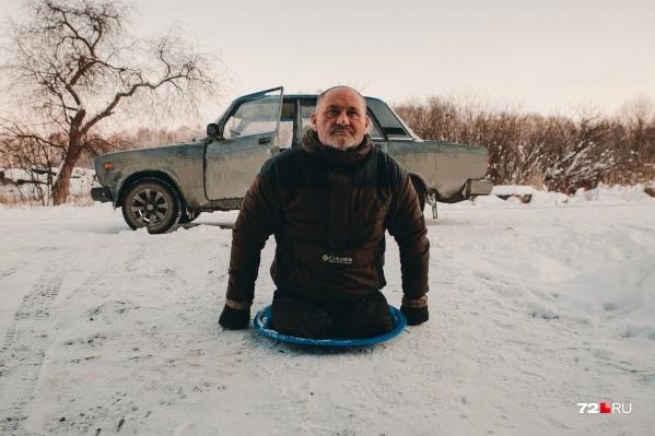 """Павел Васькин потерял ноги больше <nobr class=""""_"""">20 лет</nobr> назад"""