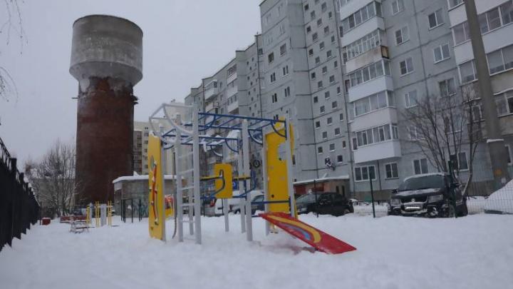 Аварийную водонапорную башню на Новгородском в Архангельске снесет подрядчик из Ярославля