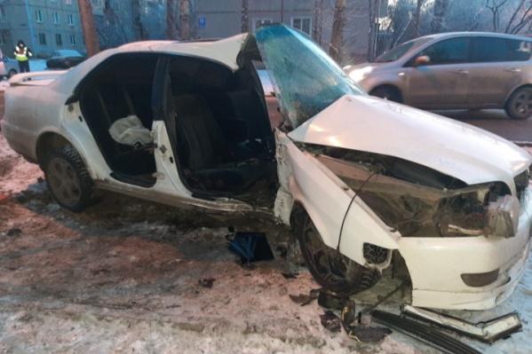 Пассажирка авто погибла на месте