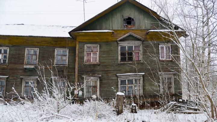 «Не все люди хотят переезжать из деревянного жилья»: депутат от Сульфата — о видео Варламова