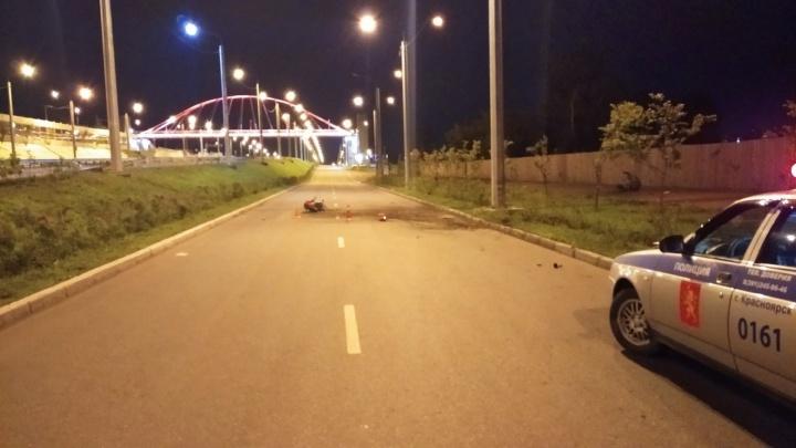 Мотоциклист въехал в фонарный столб и погиб от полученных травм