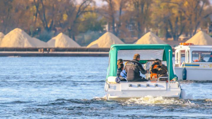 На реке под Самарой перевернулась лодка с рыбаками