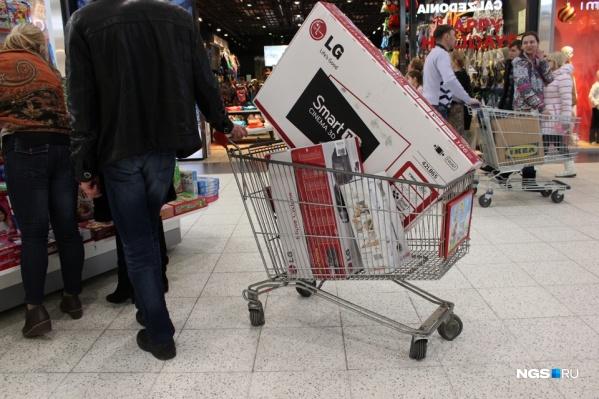 В магазинах уже начали раскупать телевизоры