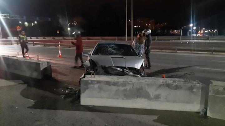 На Мельникайте разбилась иномарка, за рулем которой был пьяный 30-летний водитель