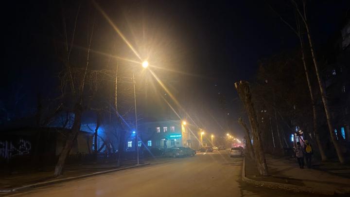 «Везде как в тумане»: новосибирцы пожаловались на смог и запах гари