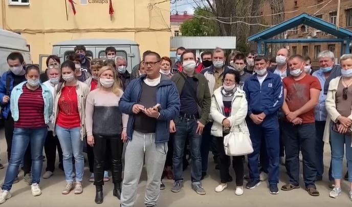«Возим пациентов с пневмонией»: работники самарской скорой потребовали обещанные выплаты