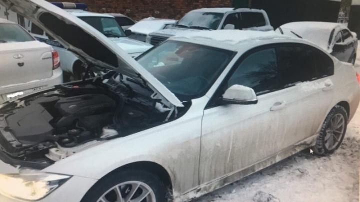 Инсценировали ДТП и кражи: в Самаре поймали банду автомошенников
