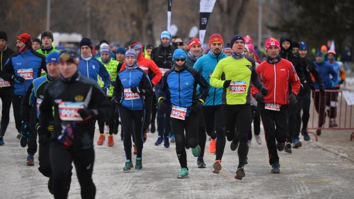 «Люди изголодались по спортивным забегам»: полторы тысячи человек пробежали вокруг Городского пруда