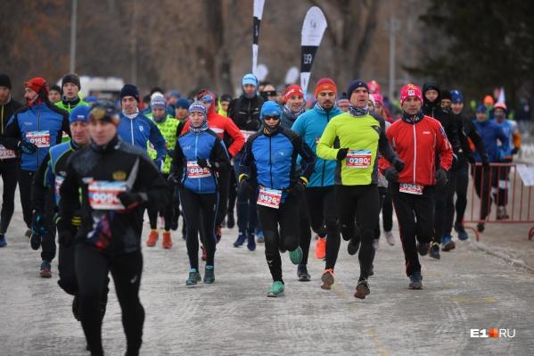 Спортсмены бежали две дистанции — 7 и 21 километр