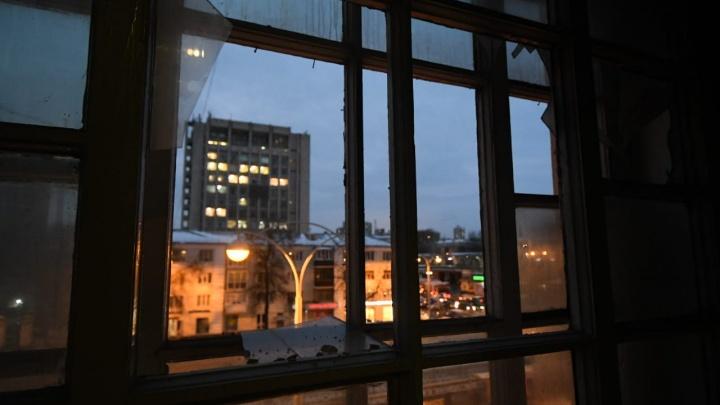В пожаре на Ленина погибла женщина, квартира сгорела дотла: онлайн-трансляция