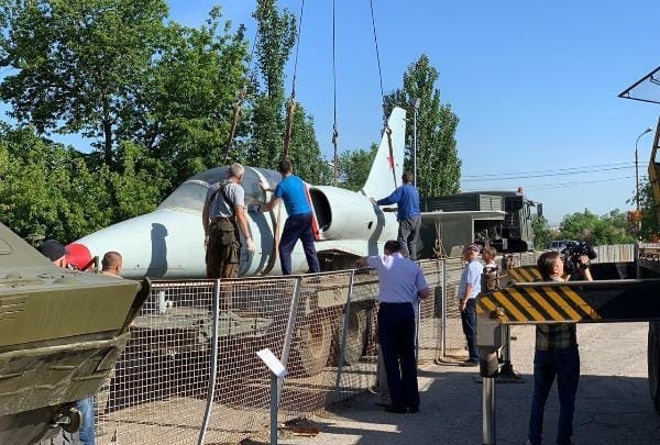 «За два года решится их судьба»: с Мамаева кургана забрали знаменитые самолеты Качи