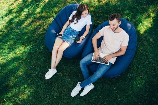 Cкачивать тяжелые файлы, смотреть фильмы на смартфоне и запускать онлайн-эфиры можно за секунды