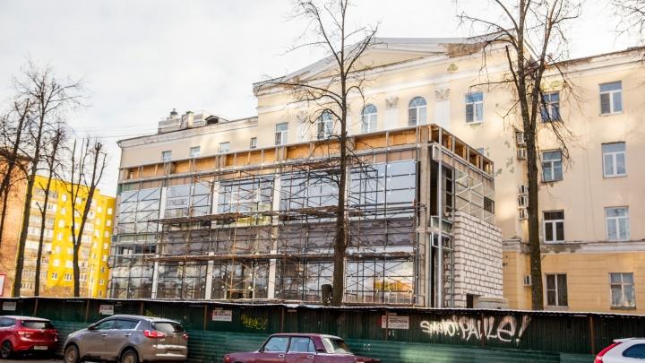 «Борщ не сварен, а вам уже невкусно»: владелец пристройки к сталинке рассказал, какой она будет
