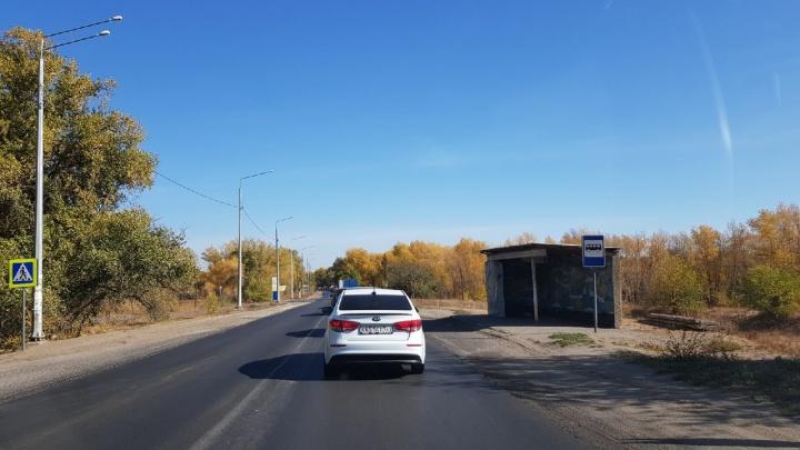 Волжский взят в кольцо: трассу Волгоград - Средняя Ахтуба и дорогу через ГЭС парализовали огромные пробки