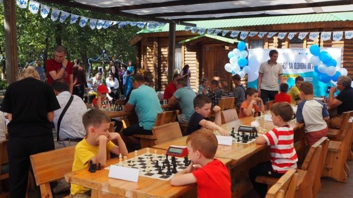 «С соблюдением всех рекомендаций Роспотребнадзора»: в Волгограде завершился региональный шахматный фестиваль