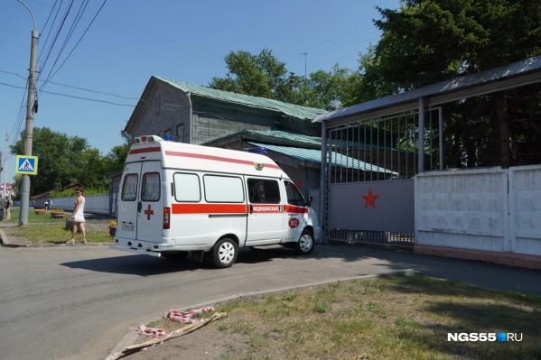Всего в Омске развёрнуто более 2300 коек для ковидных больных
