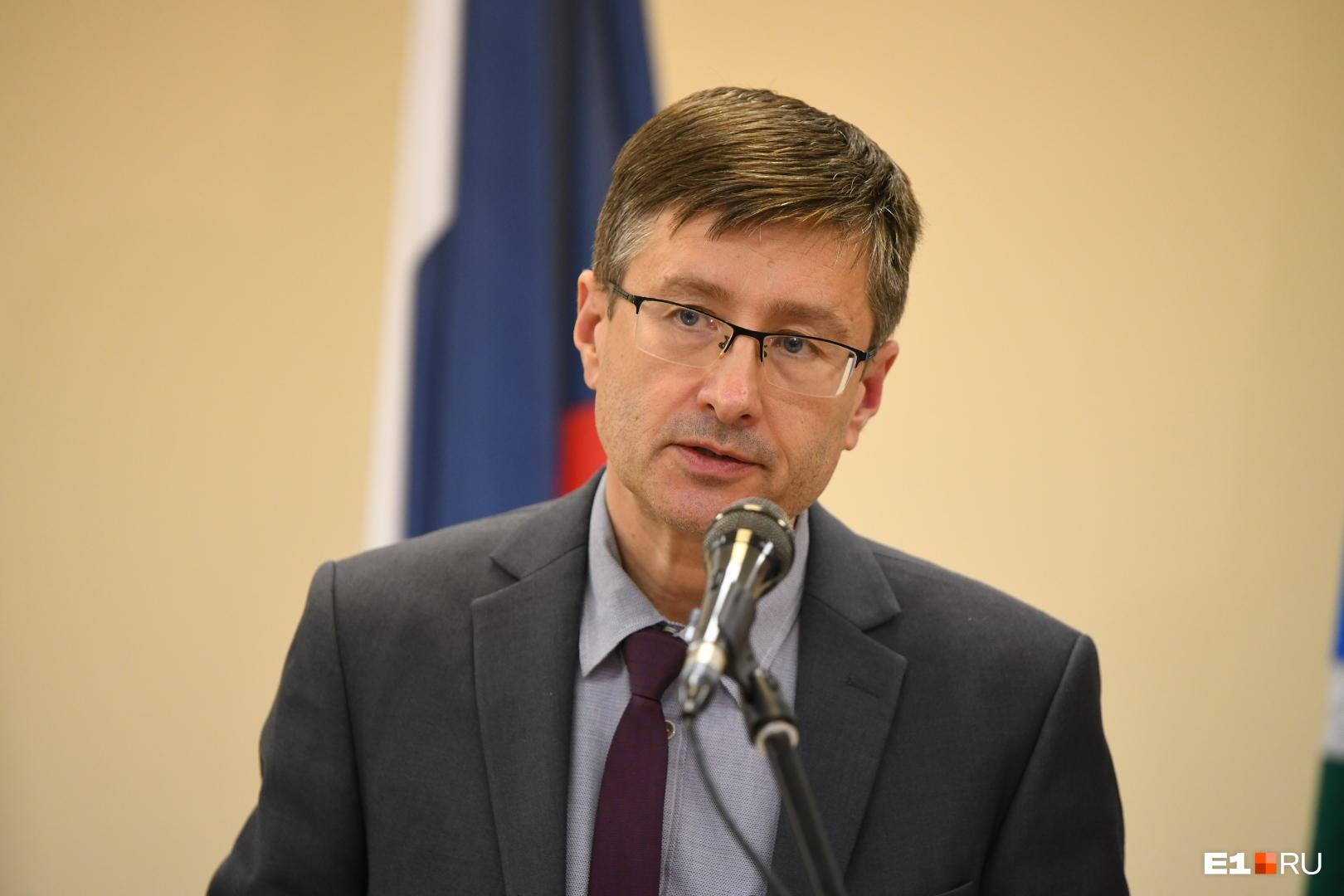 Дмитрий Козловских заявил, что число зараженных коронавирусом в официальных данных было занижено почти вдвое