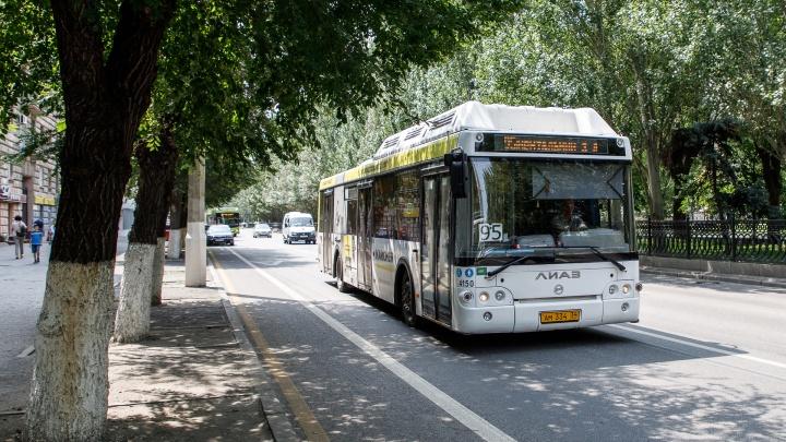 Просто геноцид какой-то: горожане вновь жалуются на духоту в автобусах