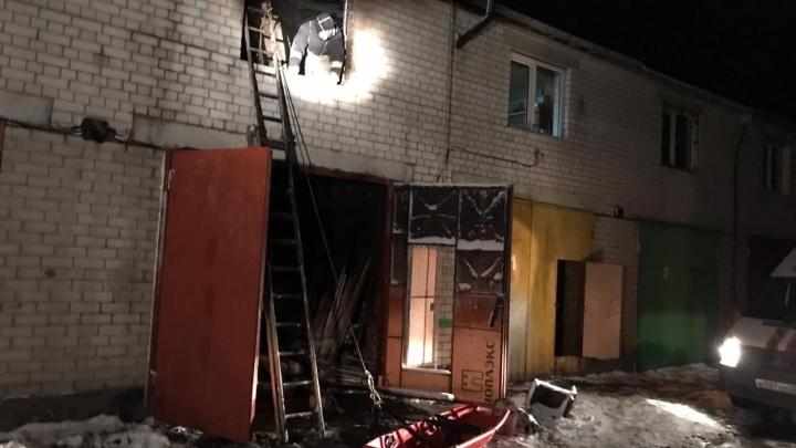 Мужчина погиб при ночном пожаре в гараже в Северодвинске